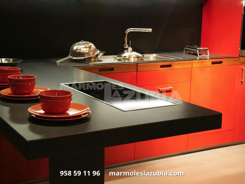 Encimera de cocina en Silestone negro Tao