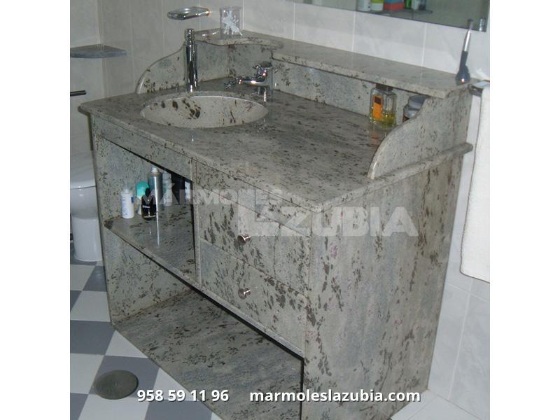 Mueble en granito Verde Eucalipto hecho a medida