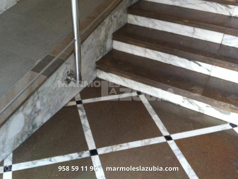 Escaleras de mármol sierra elvira y tabica en italiano.