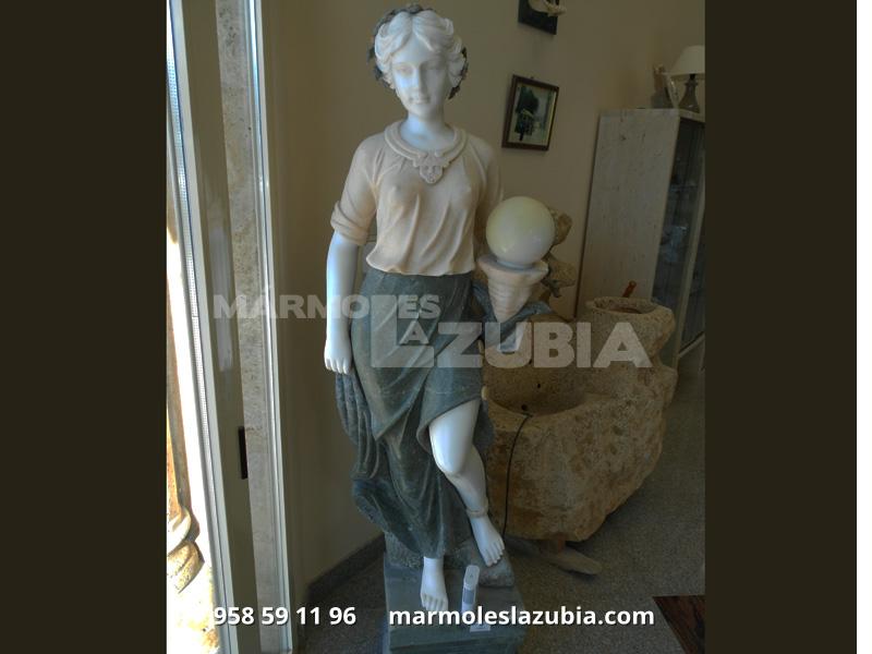 Figura de mármol macizo de distintos materiales con farolillo con luz