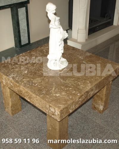Mesa de mármol travertino olivillo con patas macizas
